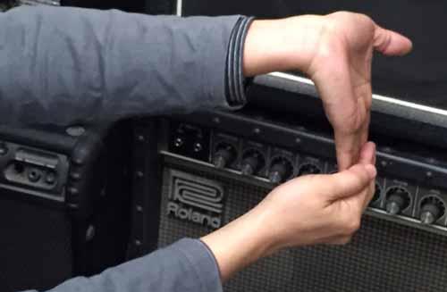 ギター演奏前のストレッチ 02