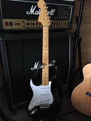 レフティギター(ストラト)